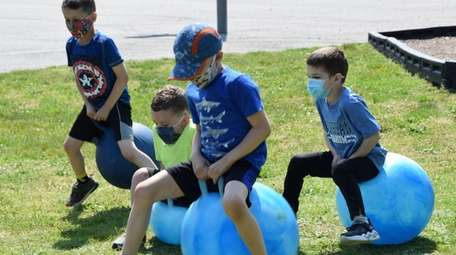 Blue Point Elementary School students enjoyed Outdoor Classroom