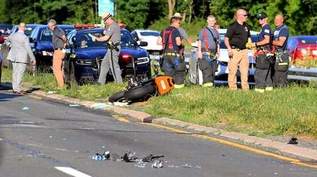 One Motorcyclist Killed Another Injured In Southern State Parkway Crash State Police Say Newsday