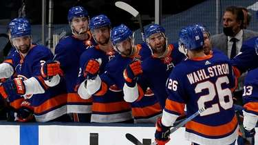 Oliver Wahlstrom has been out of the Islanders
