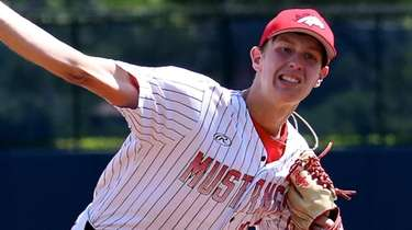 Mt. Sinai starting pitcher Max Reichenbach delivers a