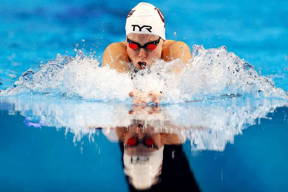 Lilly King of the United States competes in