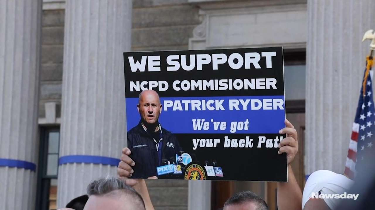 Community leaders and police unions rallied in Mineola