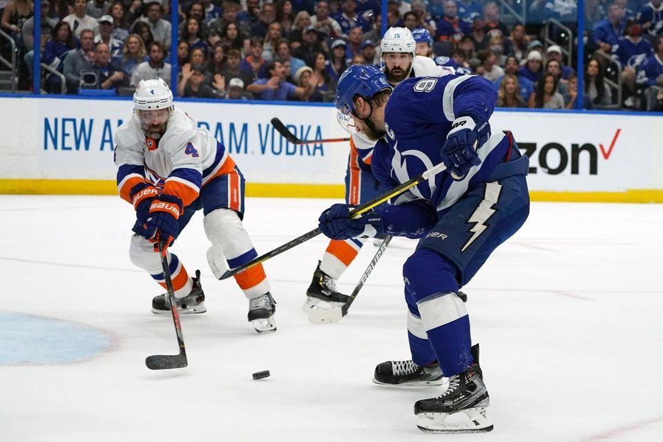 Tampa Bay Lightning center Steven Stamkos, front right,