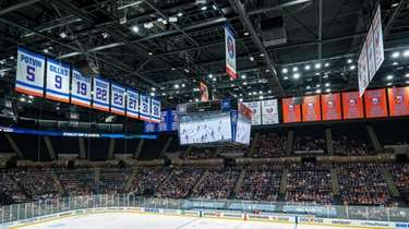 Islanders fans attend the team's Game 5 watch