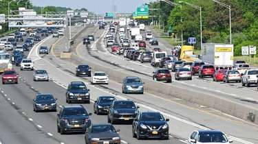 Traffic congestion on the Long Island Expressway over