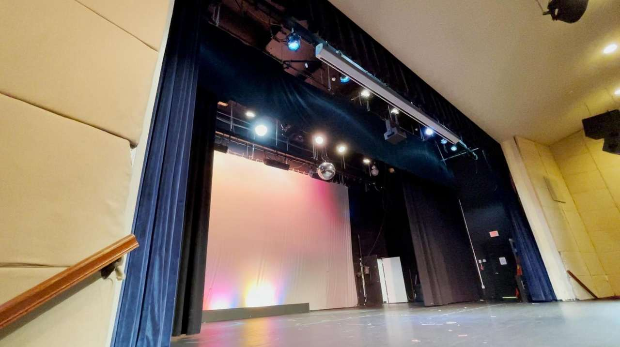 Plaza Theatricals executive producer Kevin Harrington announced that