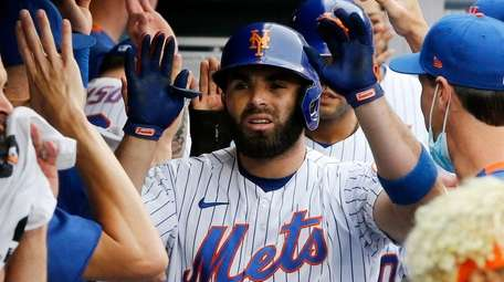 Jose Peraza has been among the Mets' aquisitions