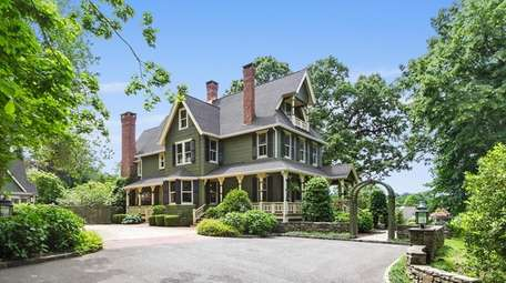 If the P.T. Barnum house in Port Jefferson