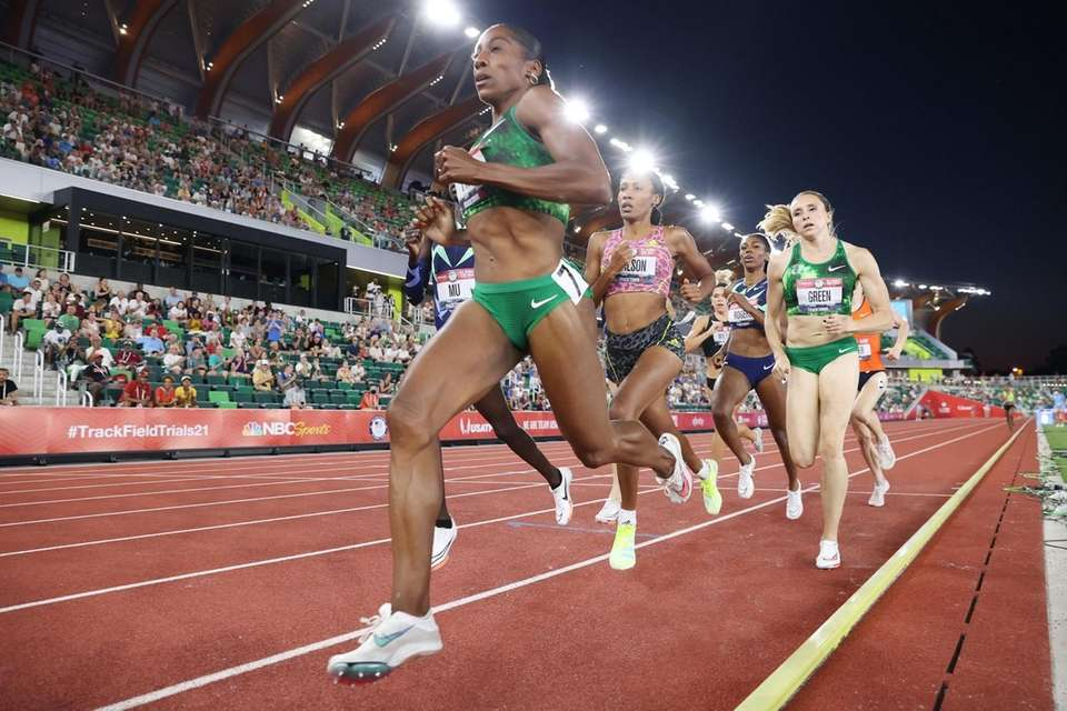Runners compete in the Women's 800 Meter Run