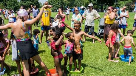 Splash, an outdoor dance performance for families using