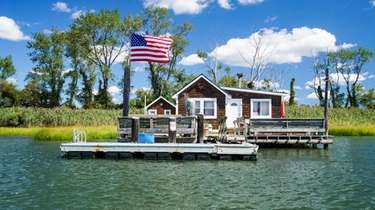 The bay house tours of Long Island resume