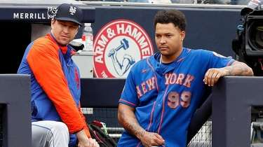 Jacob deGrom and Taijuan Walker of the Mets