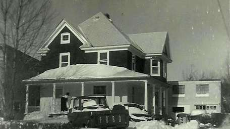 A February 1964 snowstorm covers the Merklin family