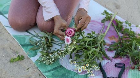 Hometown Flower Co. in Huntington offers DIY flower