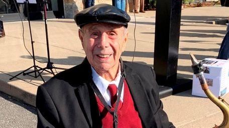 Army Air Force veteran and saxophonist Pat DeRosa,