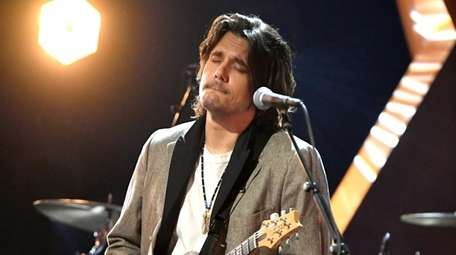 John Mayer is set to play Elmont's UBS