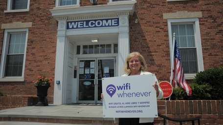 Hempstead Library offers Wi-Fi for people outside its