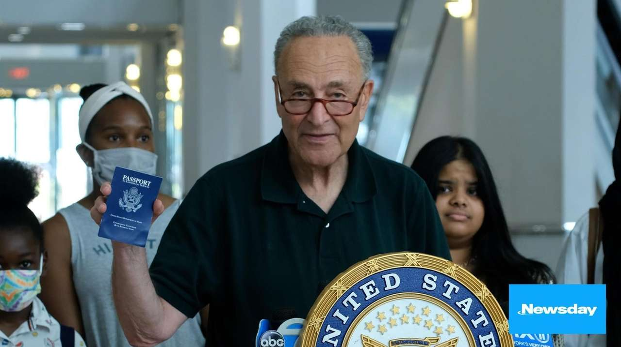 Sen. Chuck Schumer (D-N.Y.) is calling on the