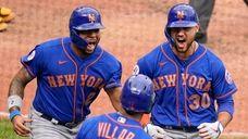 Mets' Michael Conforto (30) and Dominic Smith (2)