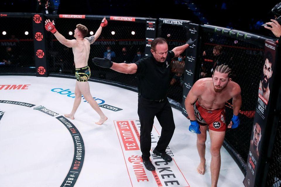 Charlie Campbell defeated Nicholas Giulietti by TKO via