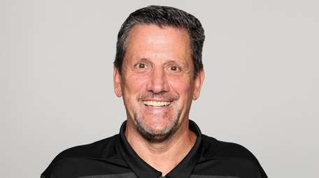 Jets passing game specialist Greg Knapp, shown here