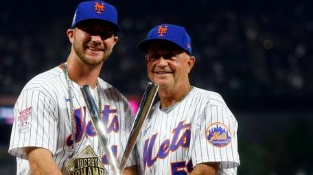 Pete Alonso and Dave Jauss after the 2021