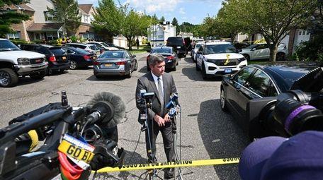 Suffolk County homicide Det. Lt. Kevin Beyrer at