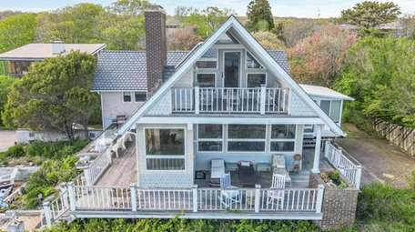 This 2-bedroom, 2½ bath Montauk home, listed for