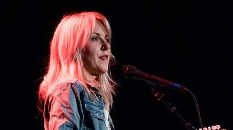 Rocker Liz Phair has pulled out of