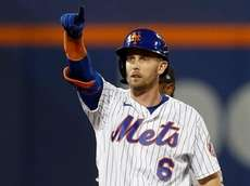 Jeff McNeil #6 of the Mets reacts at