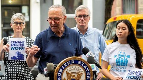 New York Senator Chuck Schumer with local City