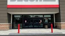Floor & Decor opened its second store on