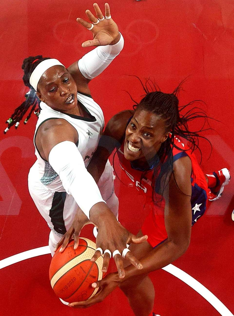 Sylvia Fowles #13 of Team United States goes