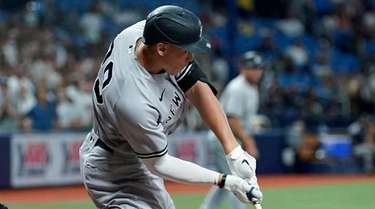 The Yankees' Aaron Judge strkes out against Rays
