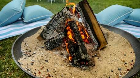 Smoke from outdoor wood-burning fire pits concerns a