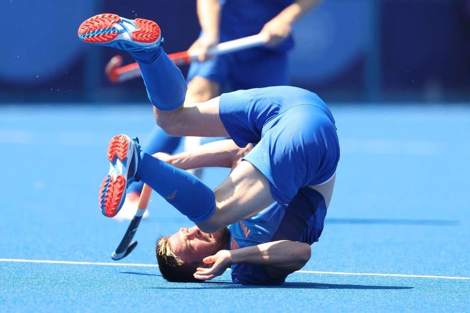 Thierry Brinkman of Team Netherlands falls to the