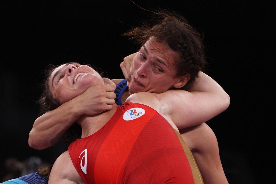 Natalia Vorobieva of Team ROC competes against Samar