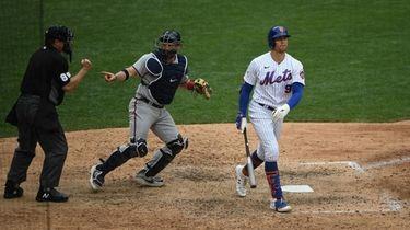 Mets centerfielder Brandon Nimmo strikes out swinging against