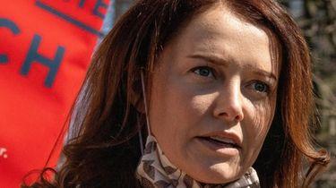 Lindsey Boylan said Gov. Andrew M. Cuomo physically