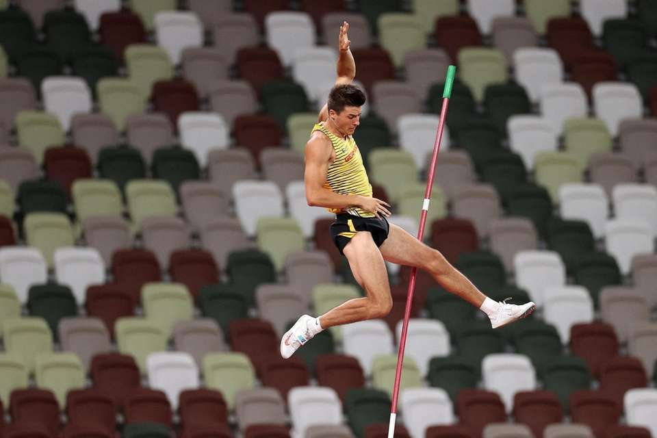 Oleg Zernikel of Team Germany competes in the