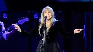 Stevie Nicks performs with Fleetwood Mac performs at