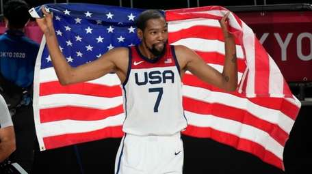 Kevin Durant celebrates after the United States' win