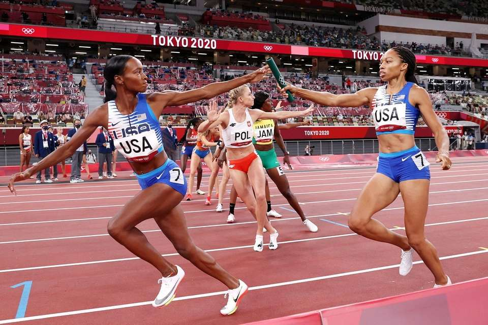 Allyson Felix of Team United States passes the