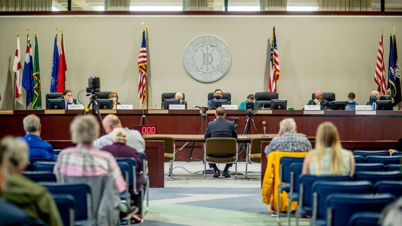 The State Assembly's energy committee helda hearing atBrookhaven