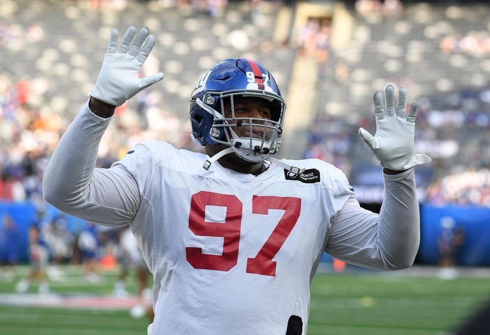 New York Giants defensive tackle Dexter Lawrence gestures