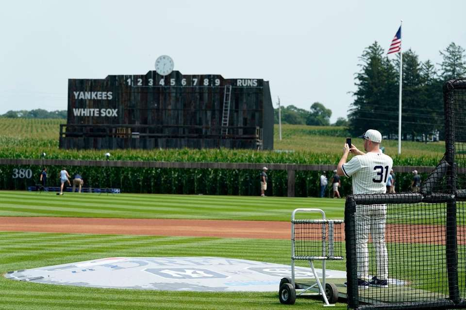 Chicago White Sox relief pitcher Liam Hendriks takes
