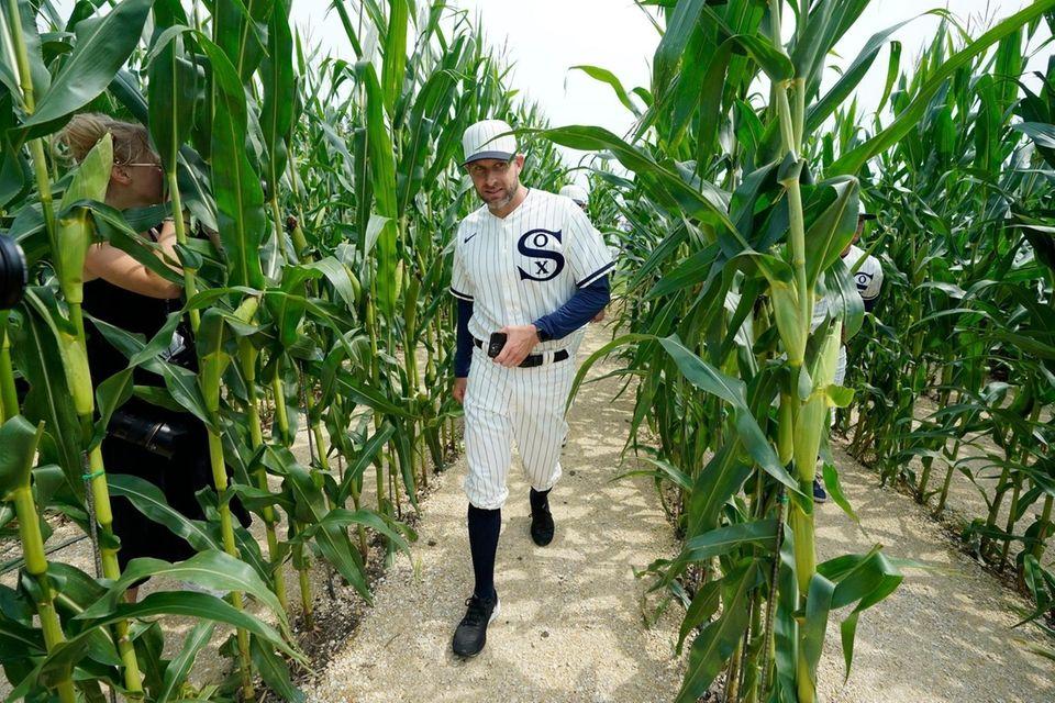 Chicago White Sox pitching coach Ethan Katz walks