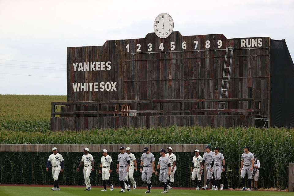 Members of the Chicago White Sox and the