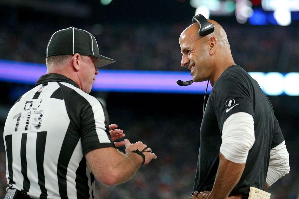 New York Jets head coach Robert Saleh (right)