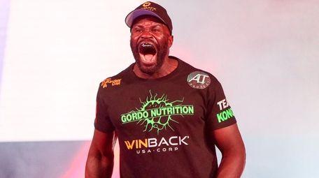 Cheick Kongo prepares to fight Timothy Johnson during